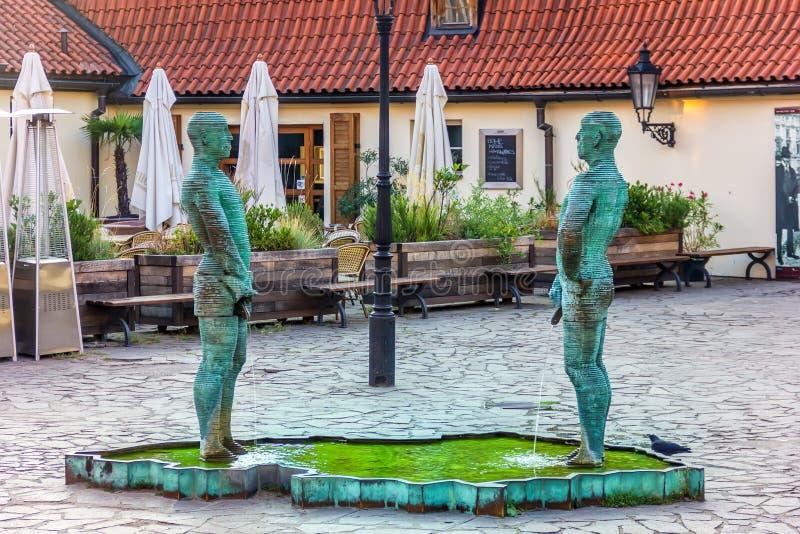 Praga, repubblica Ceca - 18 agosto 2018: Scultura della fontana fotografie stock libere da diritti