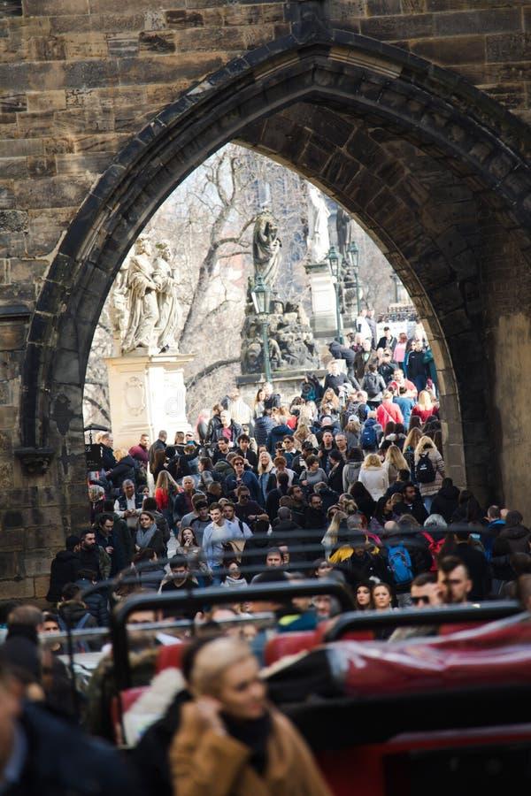 Praga, repubblica Ceca - 10 marzo 2018 - folla della gente fotografia stock libera da diritti