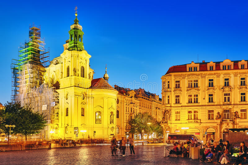 PRAGA, REPUBBLICA CECA 12 SETTEMBRE 2015: La gente, tuorist vicino fotografie stock libere da diritti