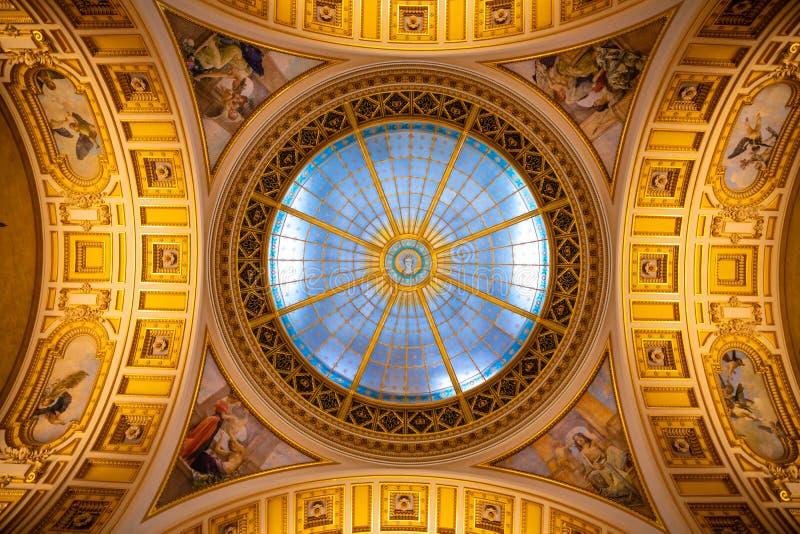 Praga, repubblica Ceca - 6 05 2019: Tetto del panteon al museo nazionale nello stile di neo-rinascita, recentemente rinnovato fotografia stock