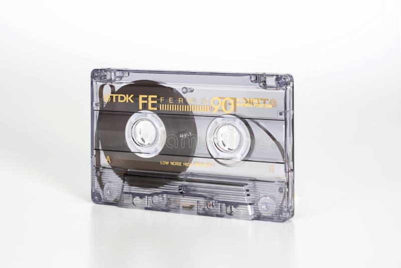 PRAGA, republika czech - LUTY 20, 2019: Audio ścisli 90 kasety TDK FE Żelazowy widok od dobra Audio kaseta na bielu fotografia stock