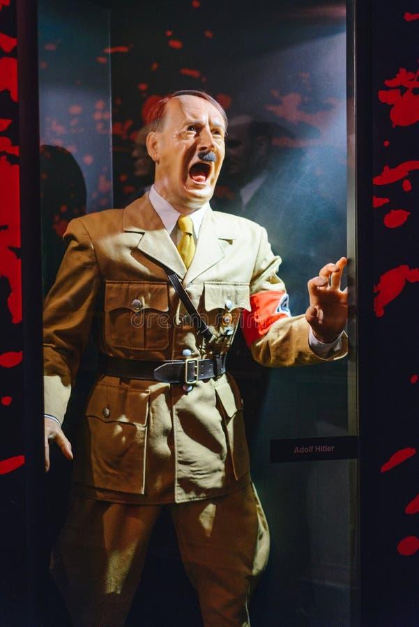 PRAGA, republika czech - MAJ 2017: Adolf Hitler statua w Madame Tussaud muzeum w Praga Madame Tussaud muzeum jest muzeum zdjęcia stock
