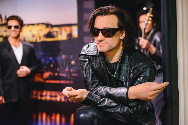 PRAGA, republika czech - MAJ 2017: nawoskuje statuę muzyk, solista grupa U2 Bono w wosk statuy muzeum w Czeskim Republ fotografia stock