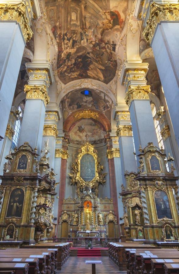 PRAGA, republika czech - PAŹDZIERNIK 14, 2018: Nave barokowy kościół St Egidius fotografia royalty free