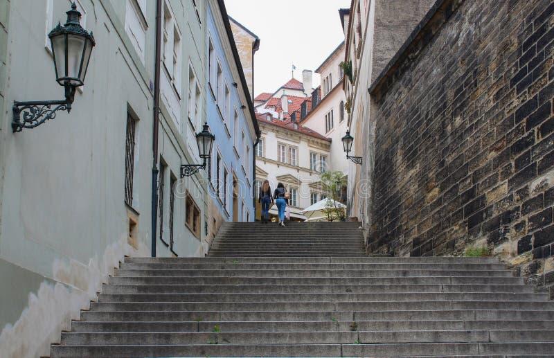 Praga; Republika Czech; Październik 18, 2017; Radnicke shody i dwa obraz stock
