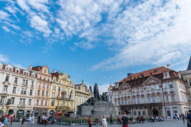 Praga, republika czech - Wrzesień 10, 2019: Jan Hus pomnik na Oldtown Squar, Praga, republika czech zdjęcia stock