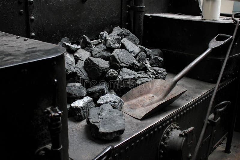 Praga, republika czech - Wrzesień 23, 2017: Parowa lokomotywa w krajowym technicznym muzeum w Praga, republika czech Stos węgiel zdjęcia royalty free