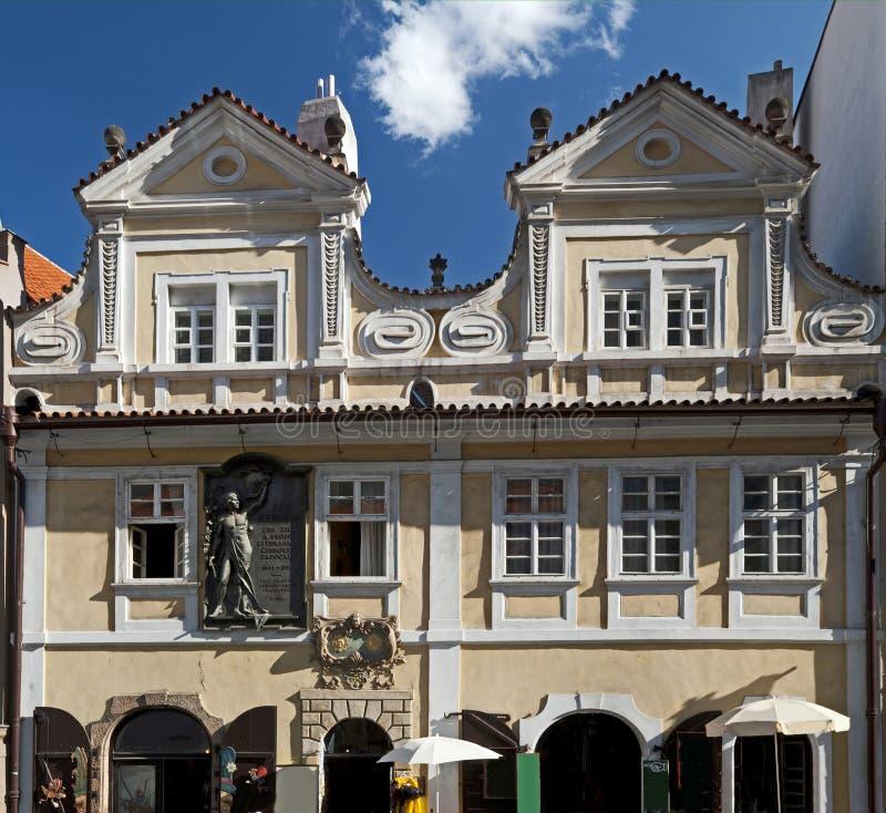 Praga - rua de Neruda imagem de stock