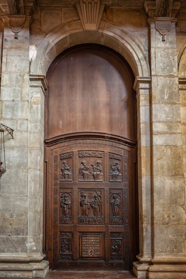 Praga st vitus katedra lokalizować w Prague kasztelu obraz stock