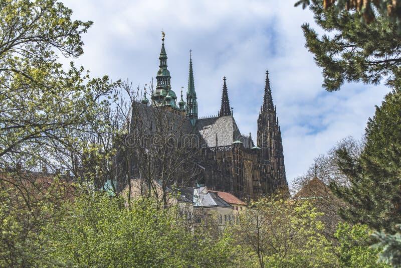 Praga y vista de Hradcany foto de archivo