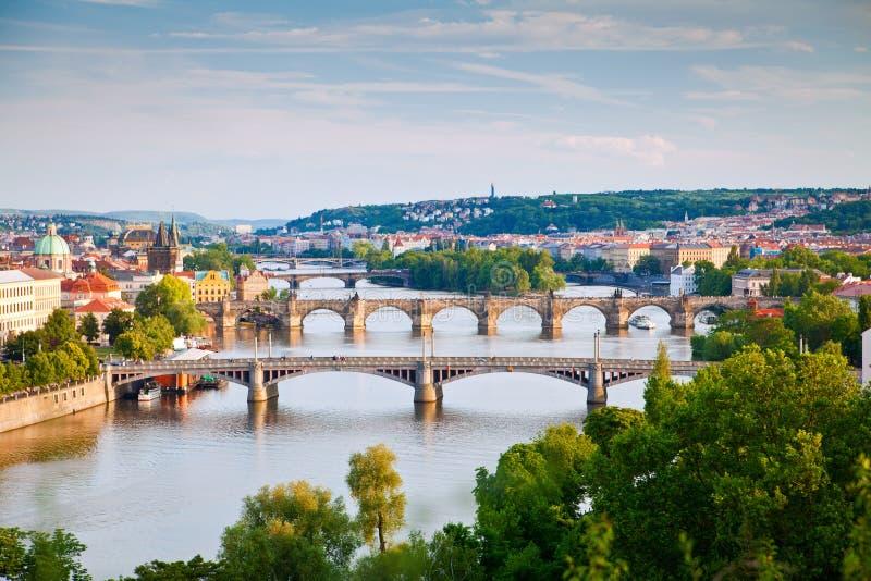 Prague överbryggar royaltyfria foton