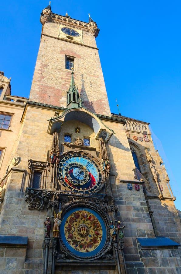Prague astronomisk klocka eller Orloj på det gamla stadshuset, Prague, Tjeckien royaltyfri fotografi