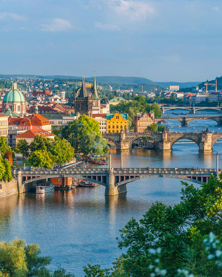 Prague broar royaltyfri foto