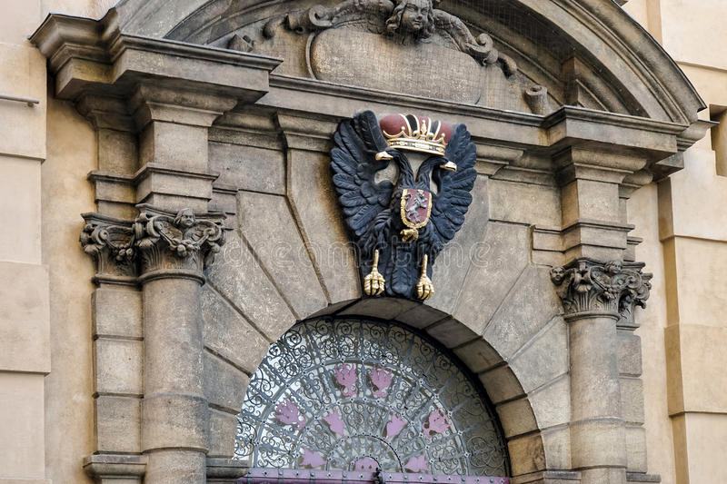 PRAGUE, CZECH REPUBLIC/EUROPE - SEPTEMBER 24 : Crest of King Charles IV at entrance to Charles Bridge in Prague on September stock images