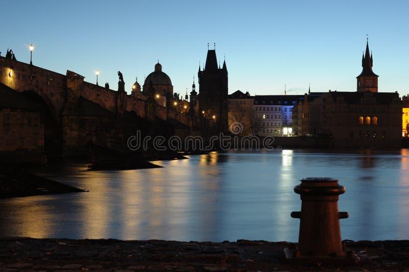 Prague flodbank arkivbild