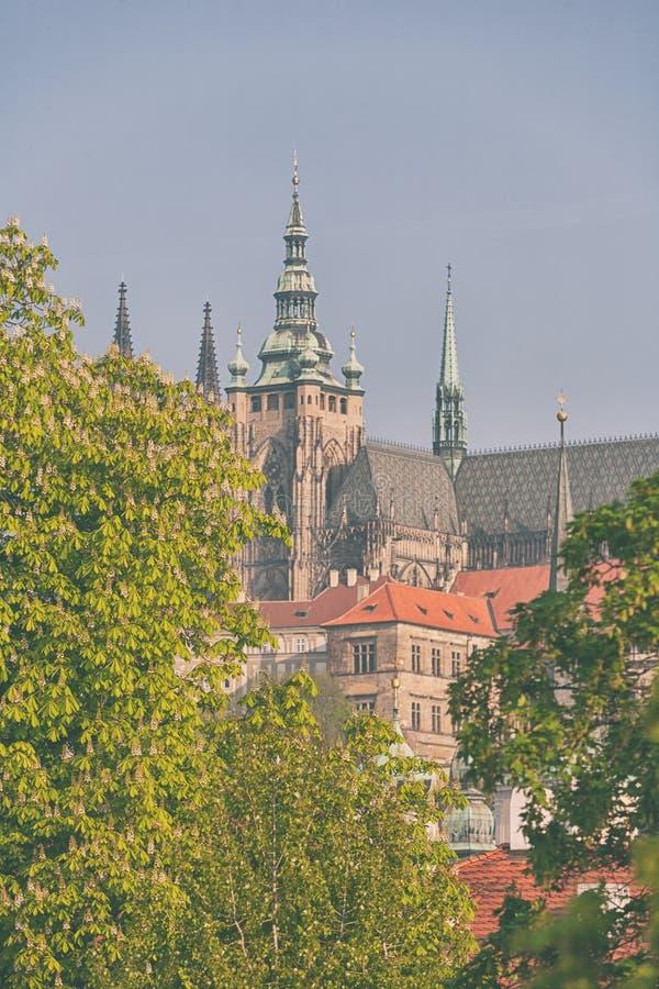 Prague i den tidiga våren royaltyfri foto