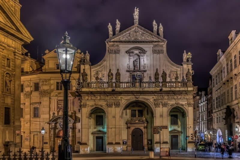 Prague Klementinum la nuit image libre de droits