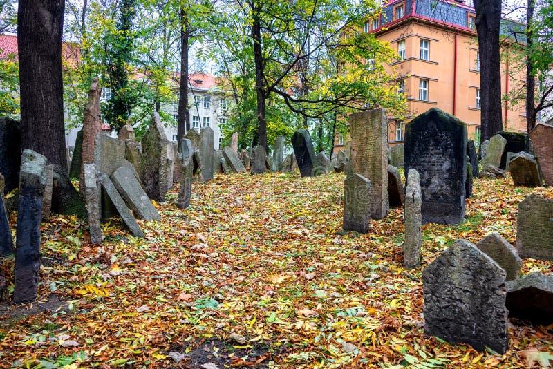Prague, le vieux cimetière juif photos libres de droits