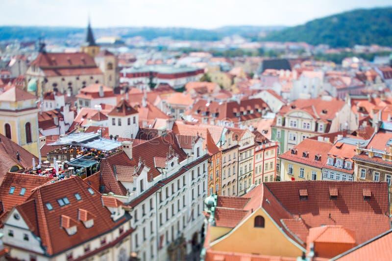 Prague - lutandeförskjutningslins royaltyfria bilder