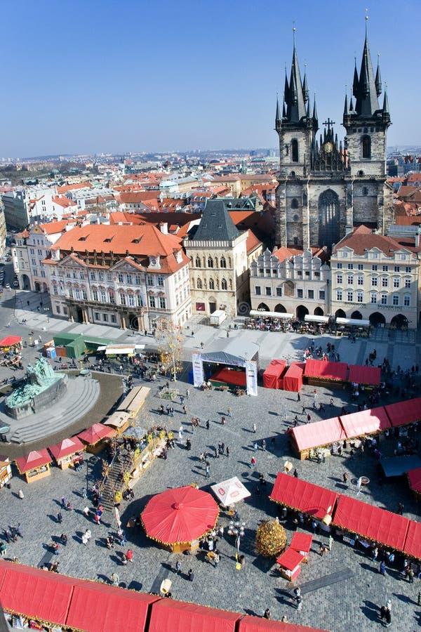 Prague påskmarknad, gammal stadfyrkant, Prague, Tjeckien royaltyfria bilder
