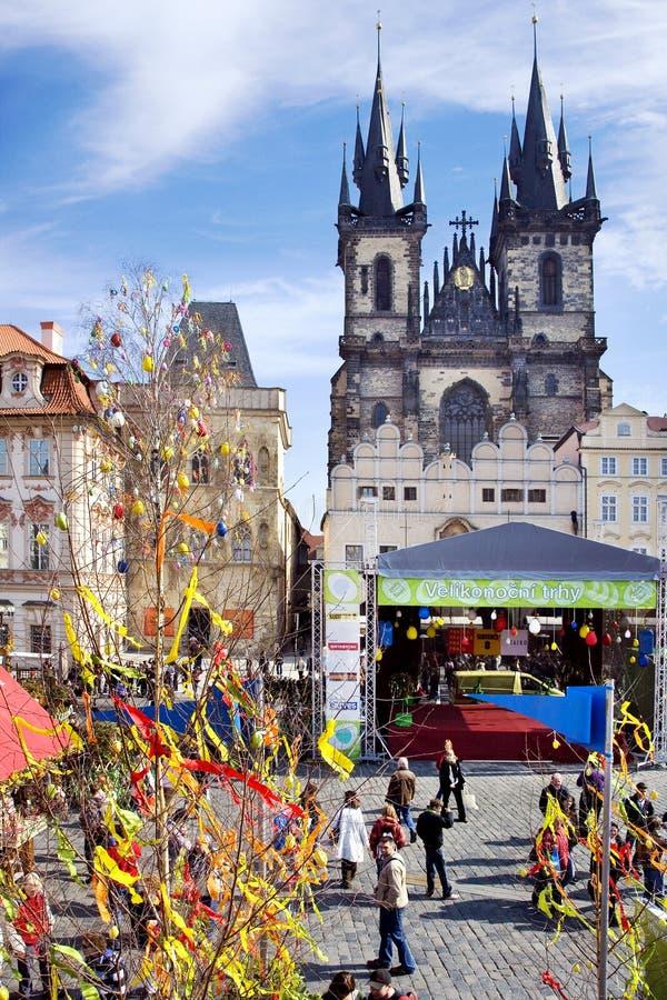 Prague påskmarknad, gammal stadfyrkant, Prague, Tjeckien royaltyfri bild