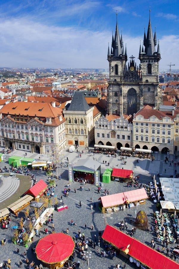 Prague påskmarknad, gammal stadfyrkant, Prague, Tjeckien royaltyfri foto