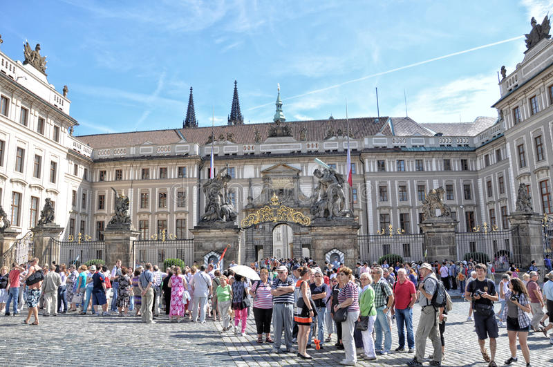 Prague presidentpalatset arkivbild