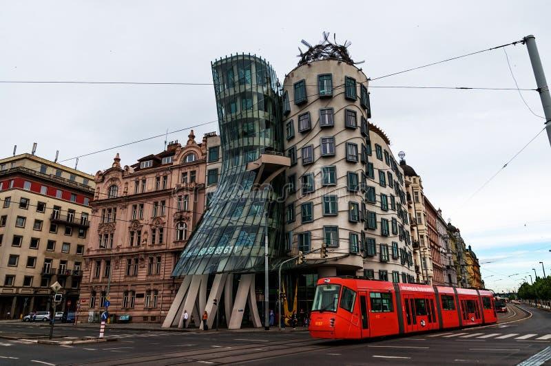 PRAGUE, RÉPUBLIQUE TCHÈQUE - 16 juillet 2017 : Bâtiment moderne, également connu sous le nom de Chambre de danse, conçue par Vlad image stock
