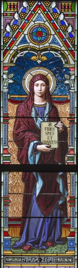PRAGUE, RÉPUBLIQUE TCHÈQUE - 17 OCTOBRE 2018 : Le saint Sophia de Rome sur le verre souillé dans l'église Svatého Cyrila Metodej image libre de droits