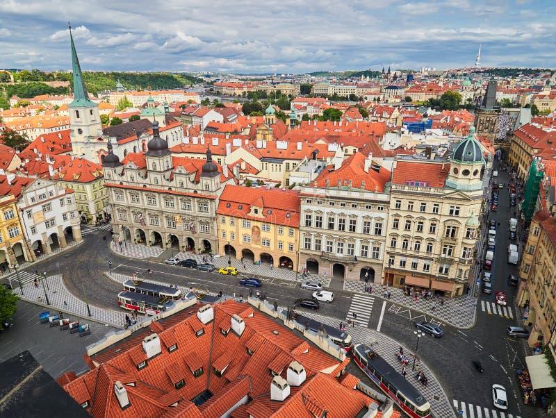 PRAGUE, RÉPUBLIQUE TCHÈQUE - 6 SEPTEMBRE 2017 Bâtiments et rues de Prague, République Tchèque images libres de droits