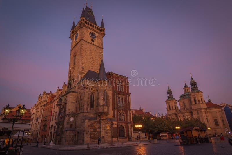 Prague stad tidigt på morgonen royaltyfri foto