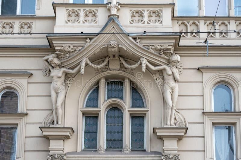 Prague/Tjeckien 04 02 2019: Arkitektur på den gamla stadfyrkanten av Prague, Tjeckien Prague i huvudstaden av tjecken royaltyfri fotografi