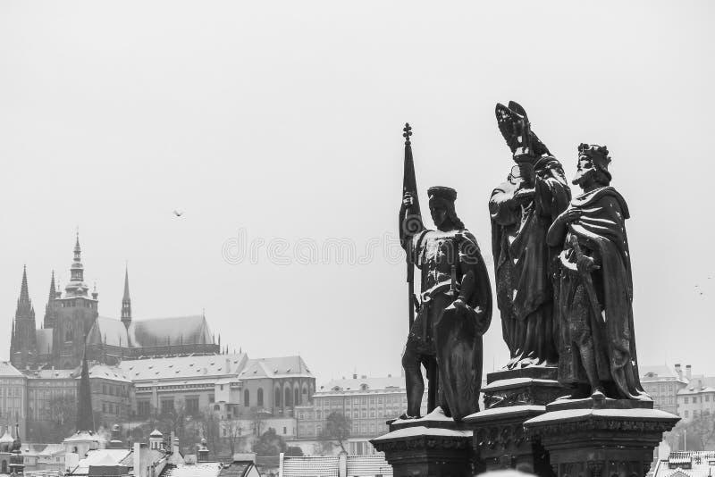 Prague under vinter fotografering för bildbyråer
