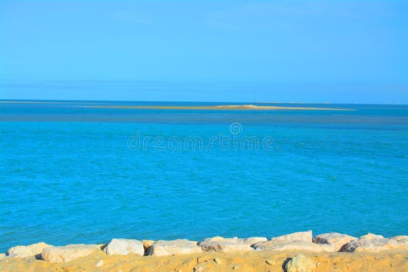Praia árabe bonita do mar, Arábia Saudita imagens de stock