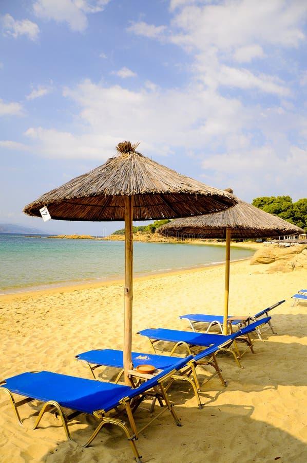 Download Praia foto de stock. Imagem de areia, chuva, céu, nuvens - 26502552