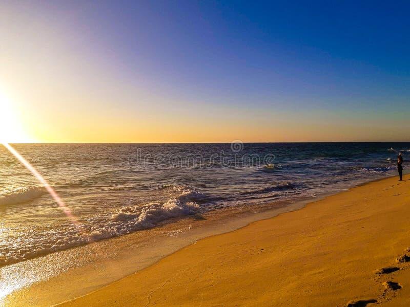Praia australiana Perth do por do sol imagem de stock