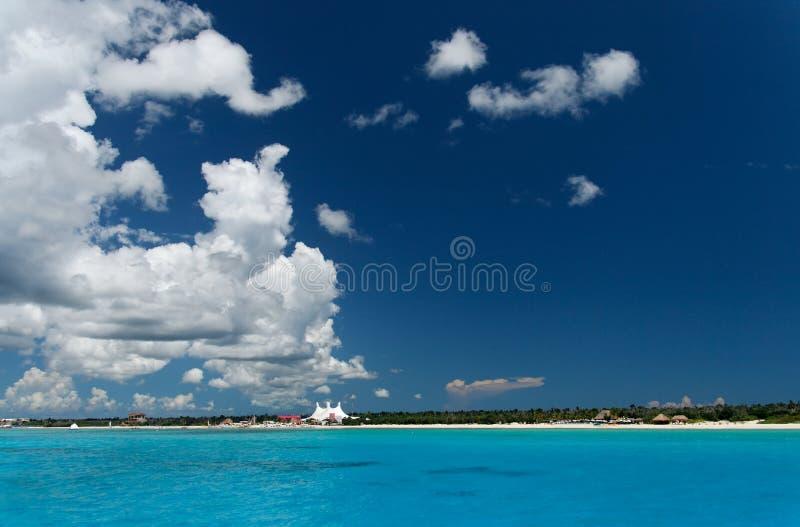 Praia azul foto de stock
