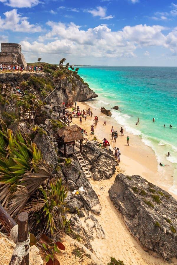 Praia bonita de Tulum no mar de Caraíbas, México fotografia de stock