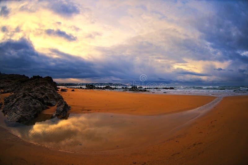 Praia bonita em Spain, as Astúrias. foto de stock royalty free