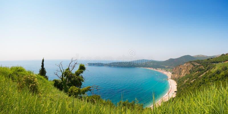 Praia bonita Jaz do panorama em Montenegro imagem de stock royalty free