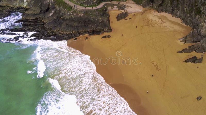 Praia bonita na península do Dingle na costa oeste da Irlanda fotografia de stock