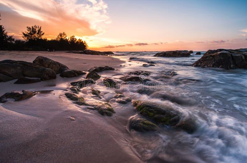 Praia bonita para relaxar imagem de stock royalty free