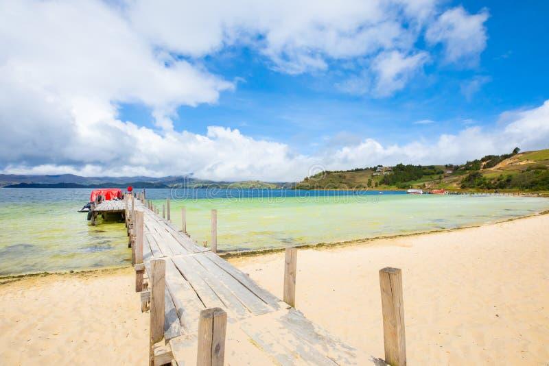 Praia branca do lago colombia Tota fotos de stock