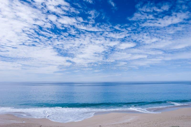 Praia calma fotografia de stock royalty free