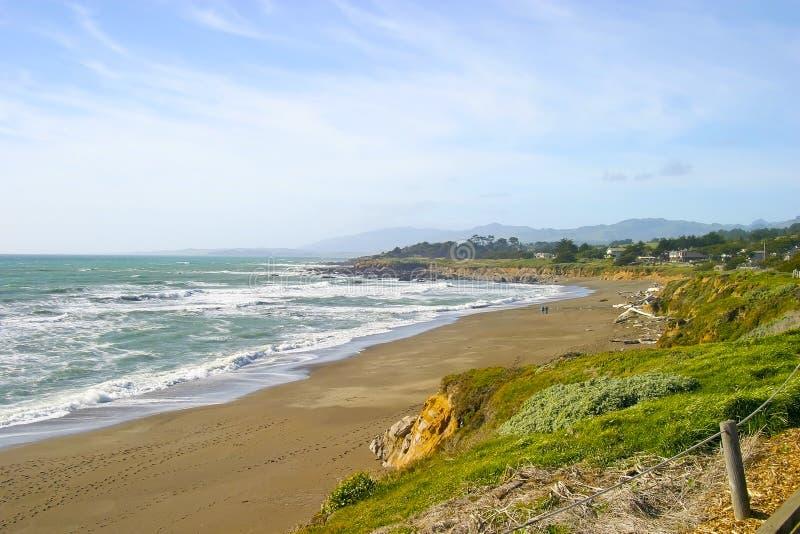 Praia Cambria do Moonstone, Califórnia foto de stock