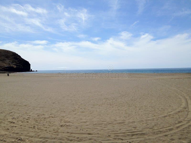 Praia com areia longa foto de stock royalty free