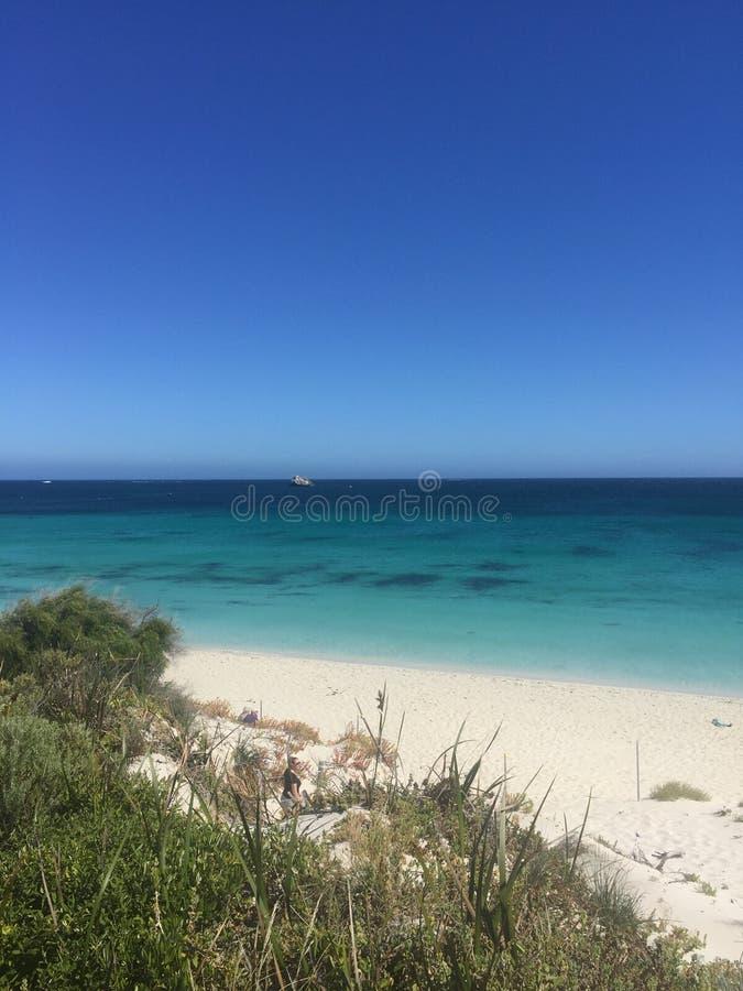 Praia da arraia-lixa imagens de stock royalty free