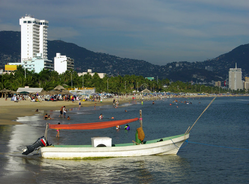 Praia da cidade de Acapulco fotos de stock