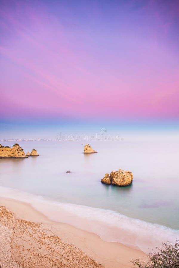 Praia DA D. Ana, Lagos, Algarve images stock