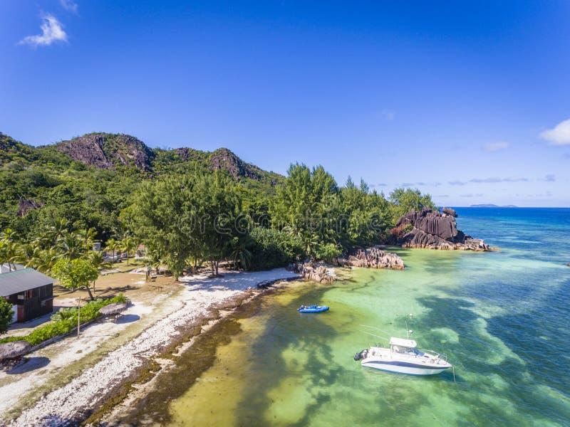 Praia da exploração agrícola da tartaruga gigante, Seychelles foto de stock royalty free